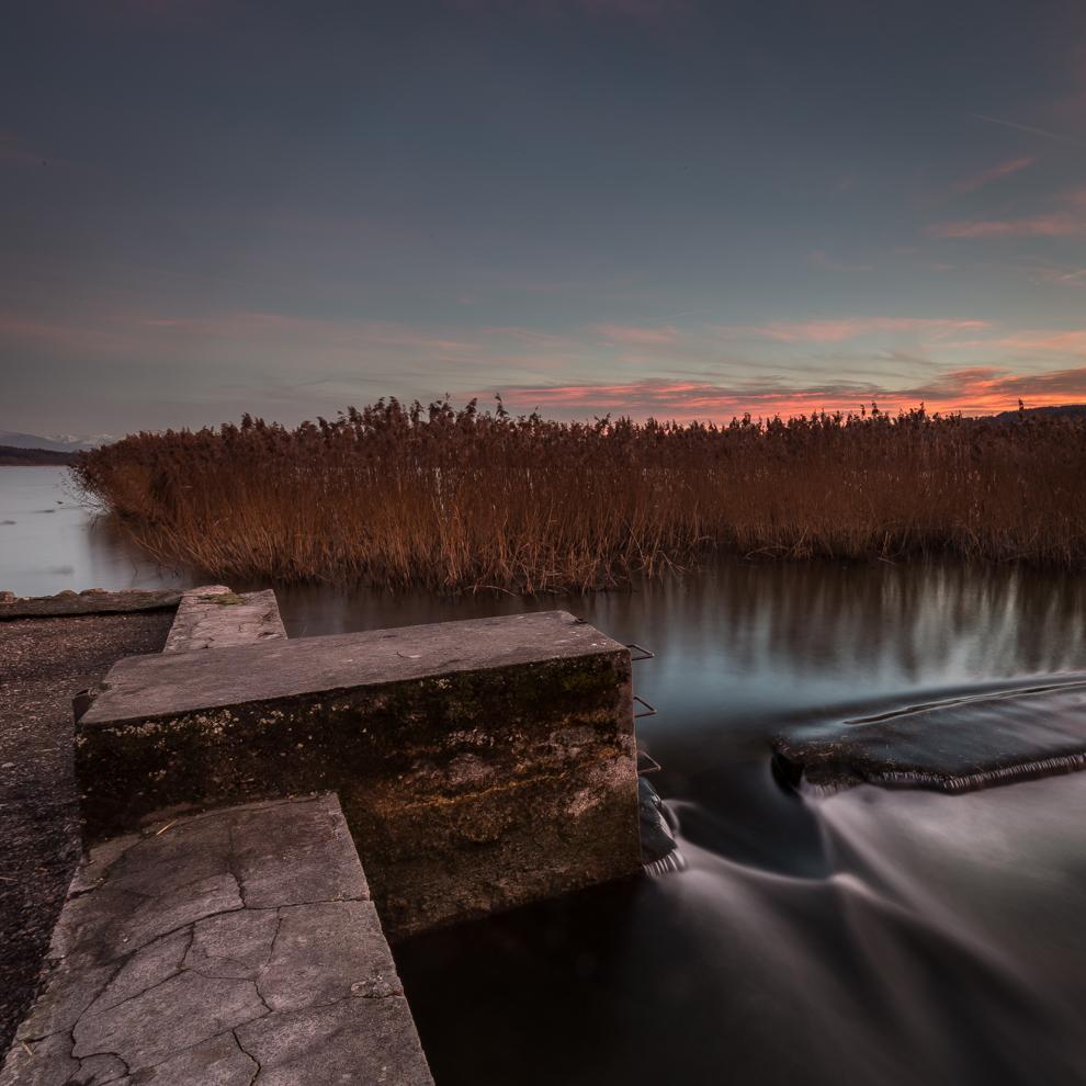 Greifensee, Abendstimmung, Abendrot, Fluss Glatt mit Wehr, Jürg Hut